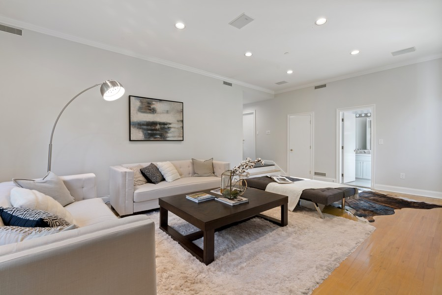 Real Estate Photography - 1 Kassel Court, Mamaroneck, NY, 10543 -
