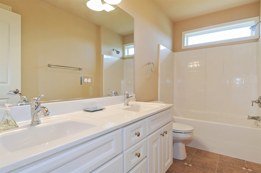Real Estate Photography - 582 Colchester, Oswego, IL, 60543 - 2nd Bathroom