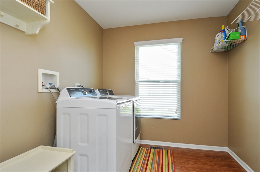 Real Estate Photography - 2312 hobbs, Yorkville, IL, 60560 - Laundry Room