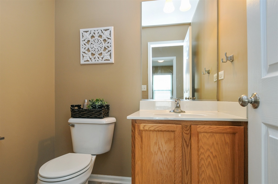 Real Estate Photography - 2312 hobbs, Yorkville, IL, 60560 - Half Bath