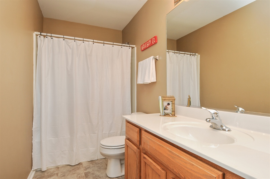 Real Estate Photography - 2312 hobbs, Yorkville, IL, 60560 - 2nd Bathroom