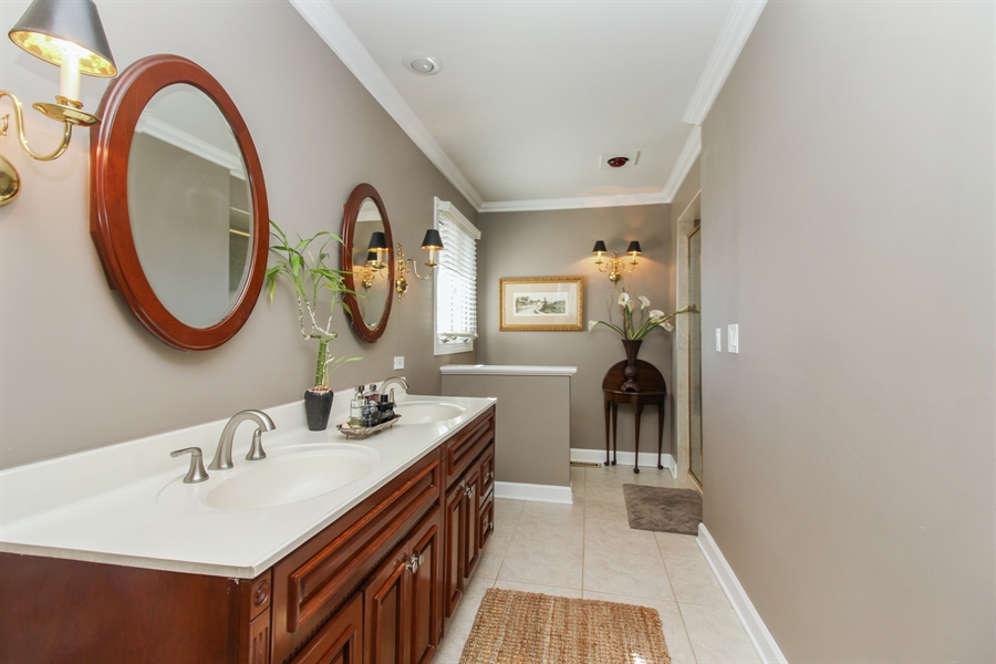 Real Estate Photography - 35 Bradford Ln, Oak Brook, IL, 60523 - Master Bathroom