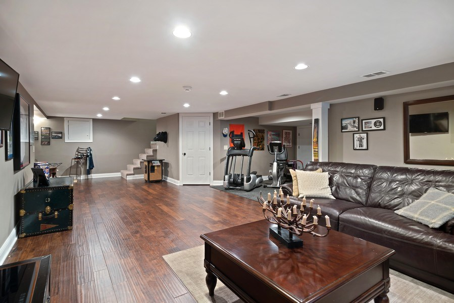 Real Estate Photography - 35 Bradford Ln, Oak Brook, IL, 60523 -