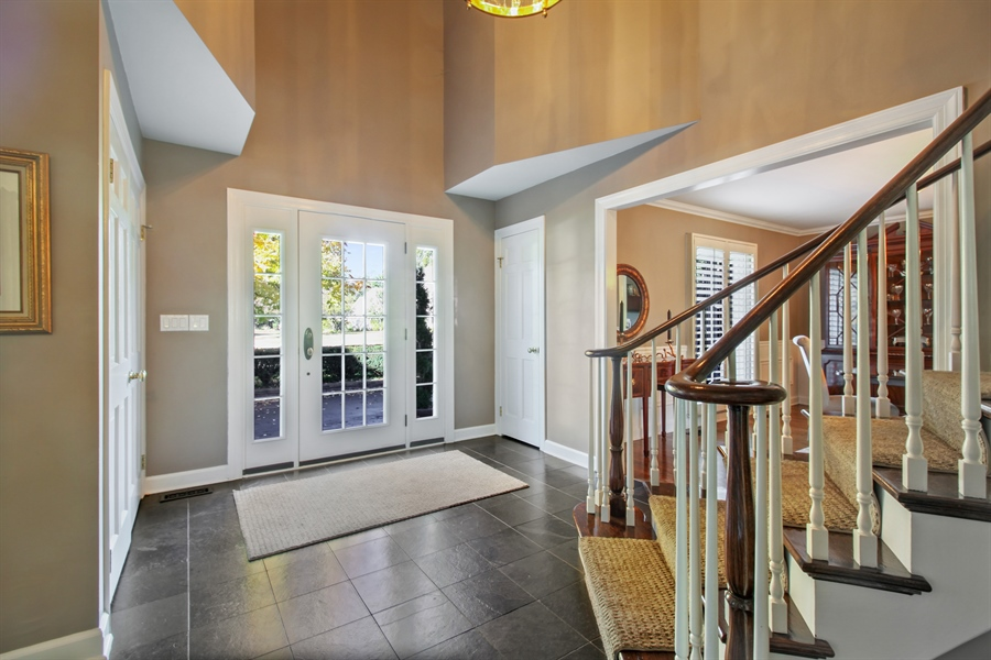 Real Estate Photography - 35 Bradford Ln, Oak Brook, IL, 60523 - Foyer