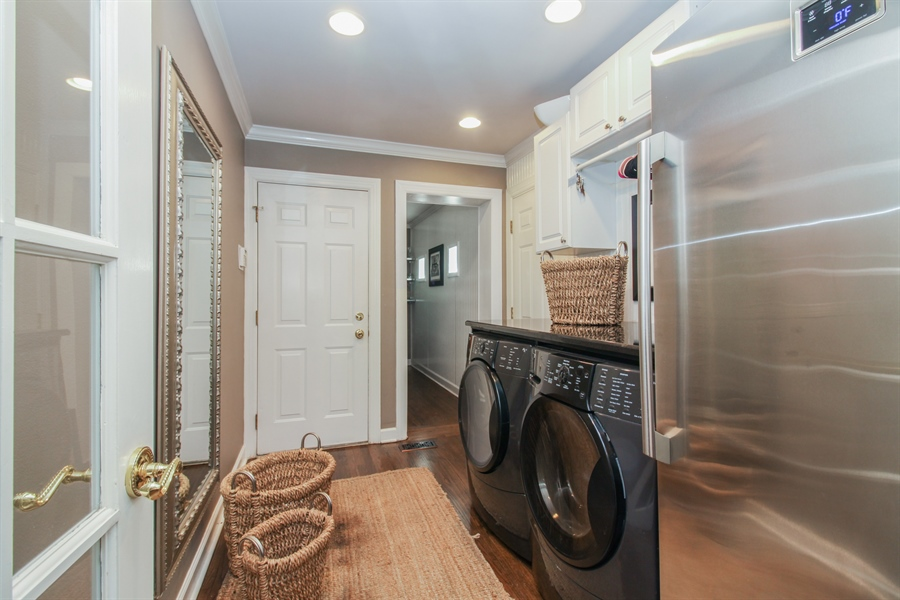 Real Estate Photography - 35 Bradford Ln, Oak Brook, IL, 60523 - Laundry Room