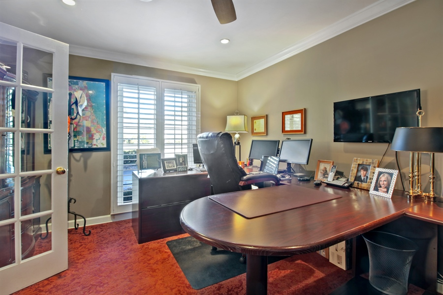 Real Estate Photography - 35 Bradford Ln, Oak Brook, IL, 60523 - Office