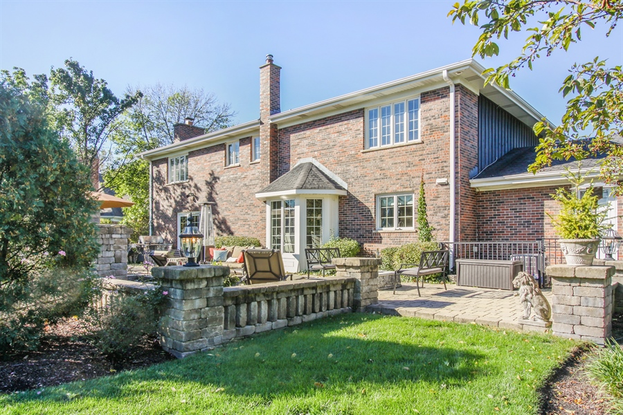 Real Estate Photography - 35 Bradford Ln, Oak Brook, IL, 60523 - Side View