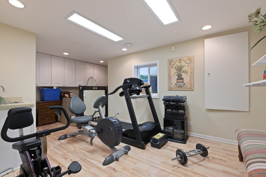 Real Estate Photography - 1063 Sandstone Court, Aurora, IL, 60502 - Exercise Room