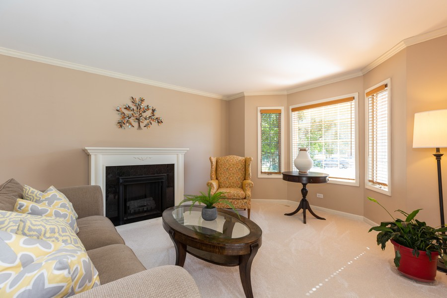 Real Estate Photography - 2743 Fairhauser Rd, Naperville, IL, 60564 - Living Room