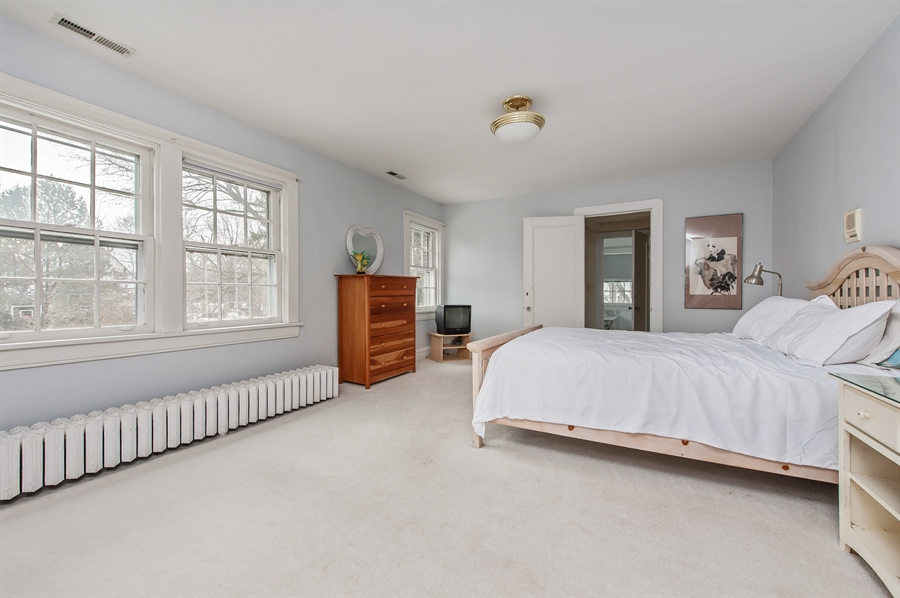 Real Estate Photography - 678 SHERIDAN, WINNETKA, IL, 60093 - Guest Bedroom