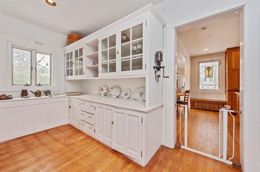 Real Estate Photography - 678 SHERIDAN, WINNETKA, IL, 60093 - Butler's pantry