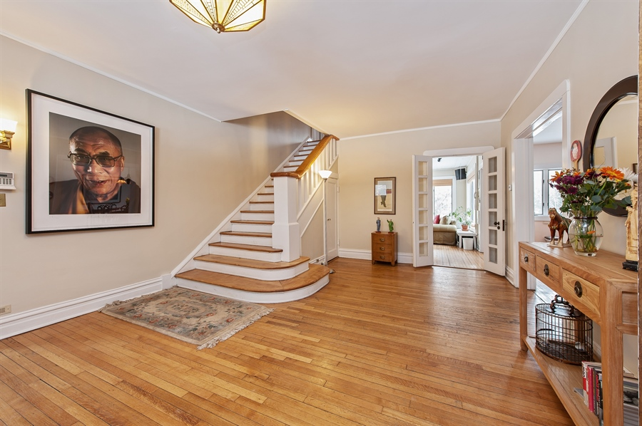 Real Estate Photography - 678 SHERIDAN, WINNETKA, IL, 60093 - Foyer