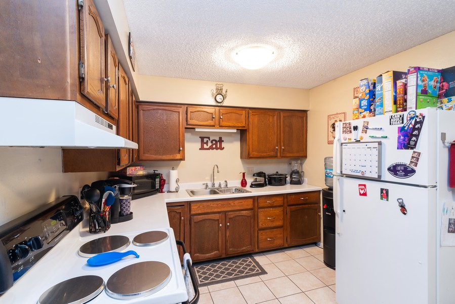 Real Estate Photography - 166 Keigher Dr, Manteno, IL, 60950 - Kitchen