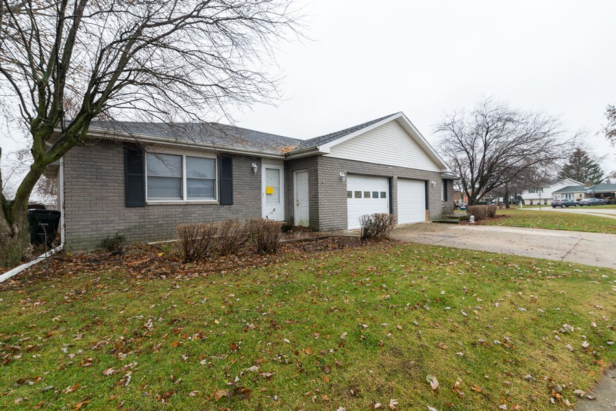 Real Estate Photography - 166 Keigher Dr, Manteno, IL, 60950 - Front View