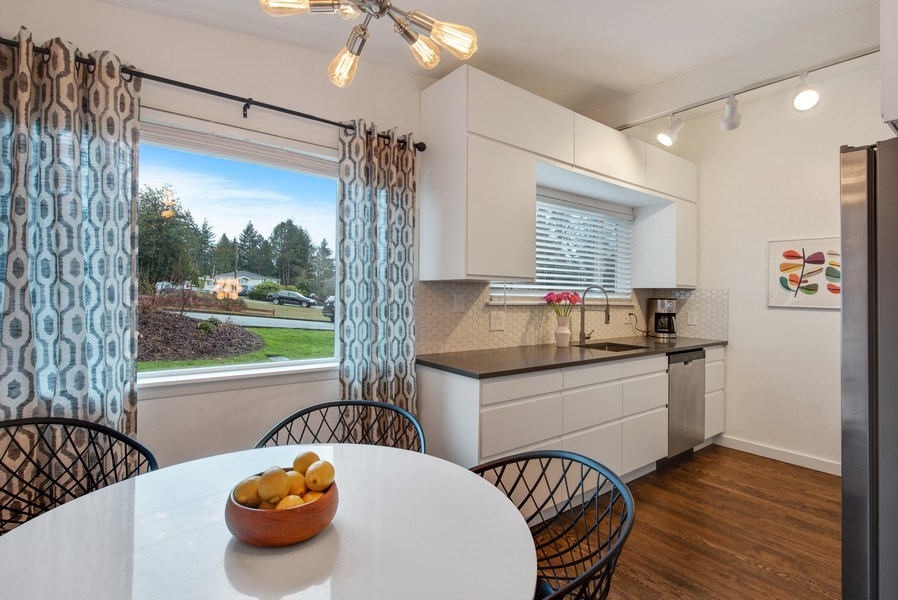 Real Estate Photography - 4552 151st Ave SE, Bellevue, WA, 98006 - Kitchen / Breakfast Room
