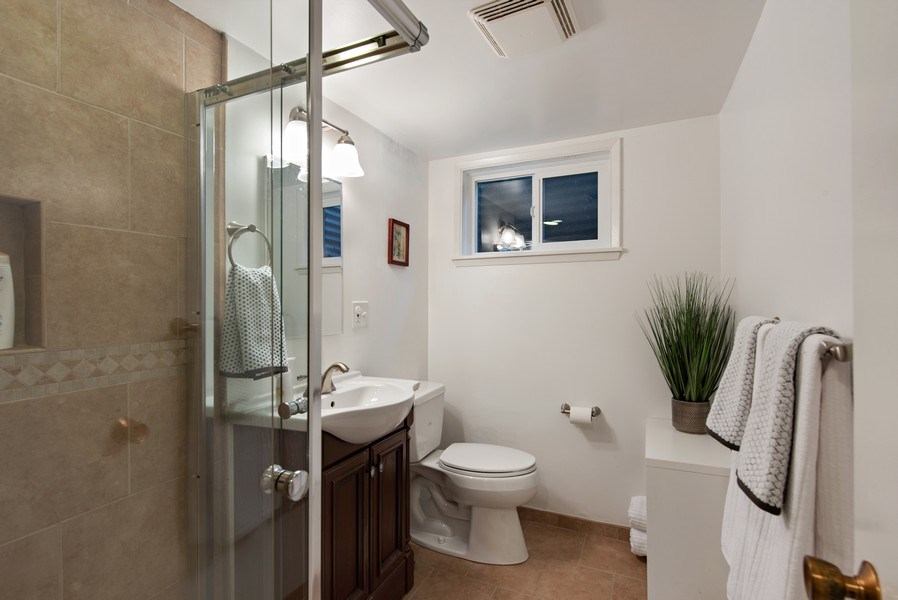 Real Estate Photography - 4552 151st Ave SE, Bellevue, WA, 98006 - 2nd Bathroom