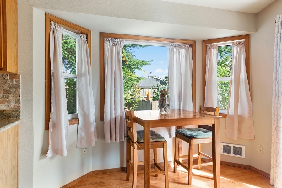 Real Estate Photography - 9530 50th Ave NE, Marysville, WA, 98270 - Breakfast Area