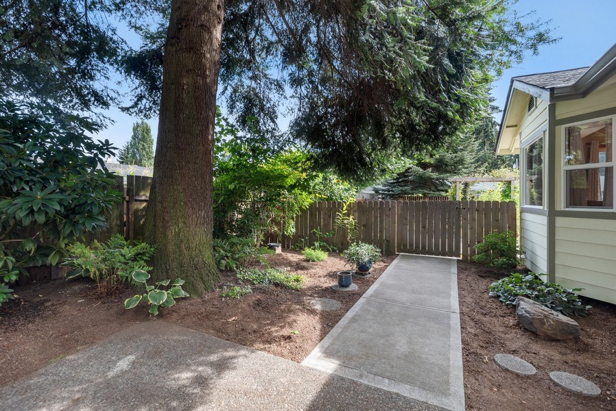 Real Estate Photography - 9530 50th Ave NE, Marysville, WA, 98270 - Side View