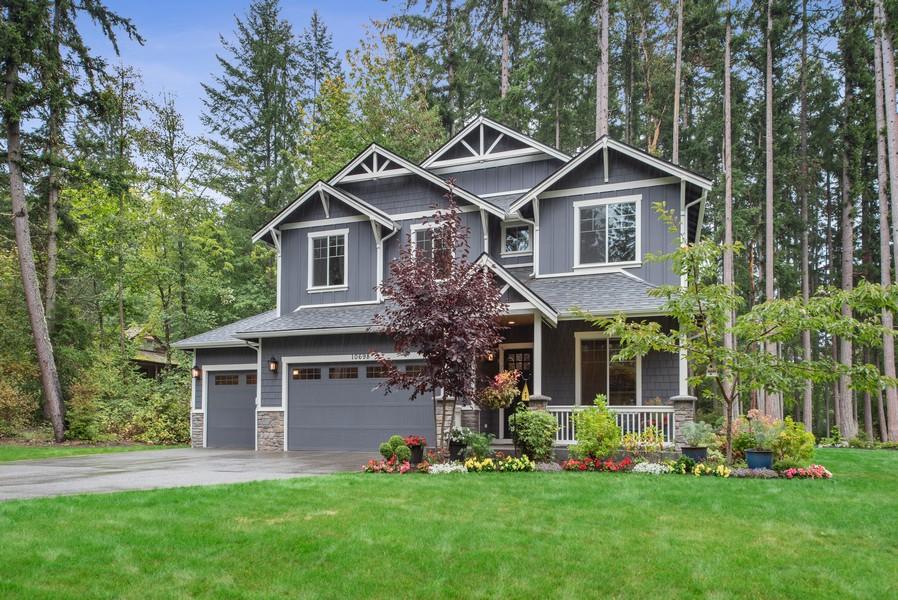 Real Estate Photography - 10698 N. Madison, Bainbridge Island, WA, 98110 - Front View