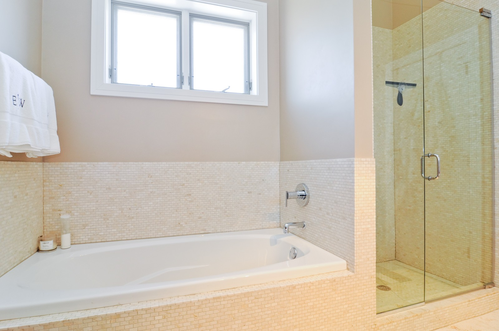 Real Estate Photography - 950 W. Cullerton, C, Chicago, IL, 60608 - Master Bathroom