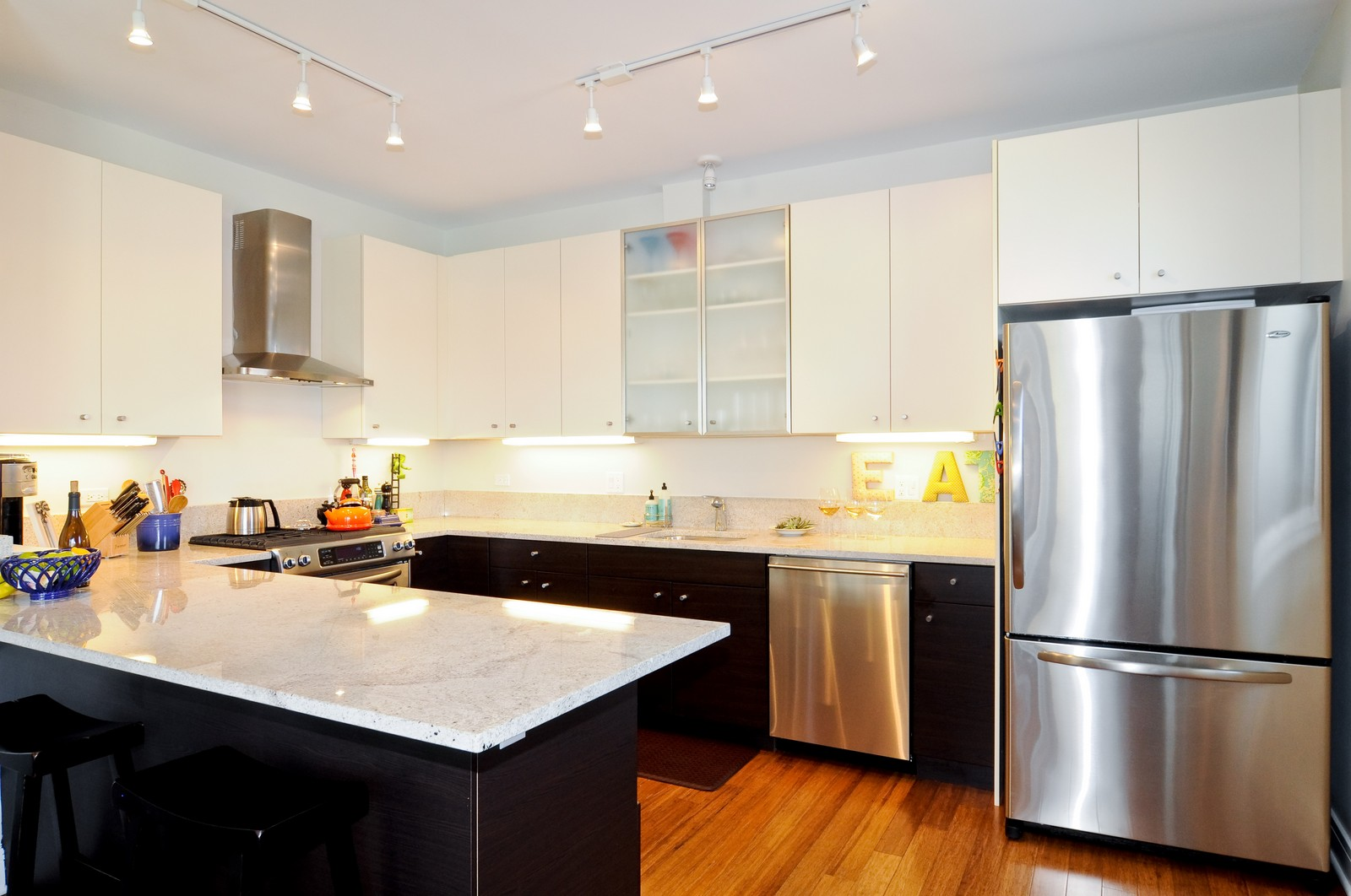 Real Estate Photography - 950 W. Cullerton, C, Chicago, IL, 60608 - Kitchen