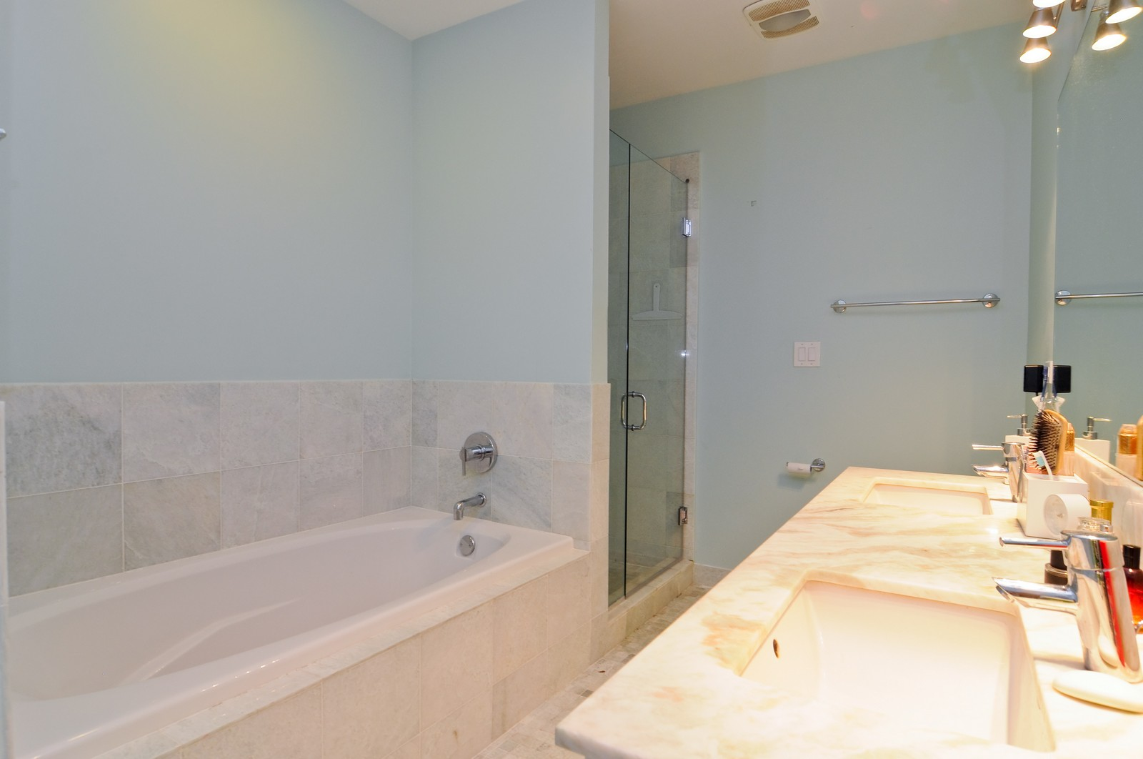 Real Estate Photography - 950 Cullerton, A, Chicago, IL, 60608 - Master Bathroom