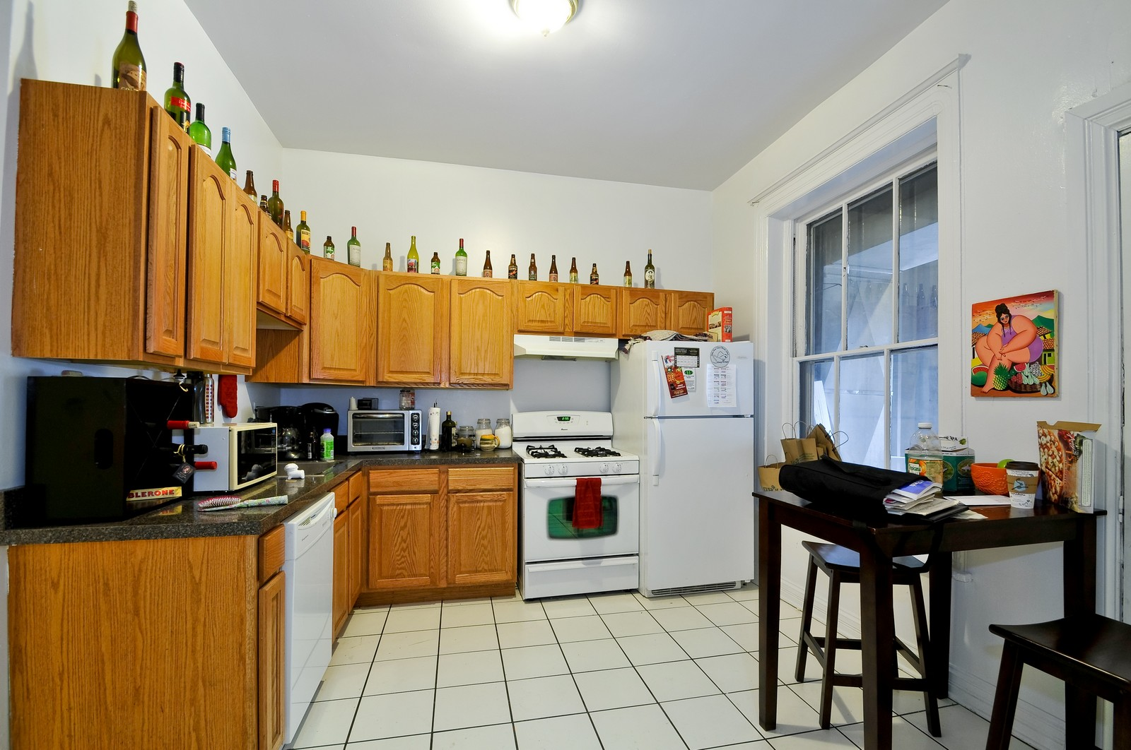 Real Estate Photography - 900 W. Newport, Chicago, IL, 60657 - Kitchen / Breakfast Room