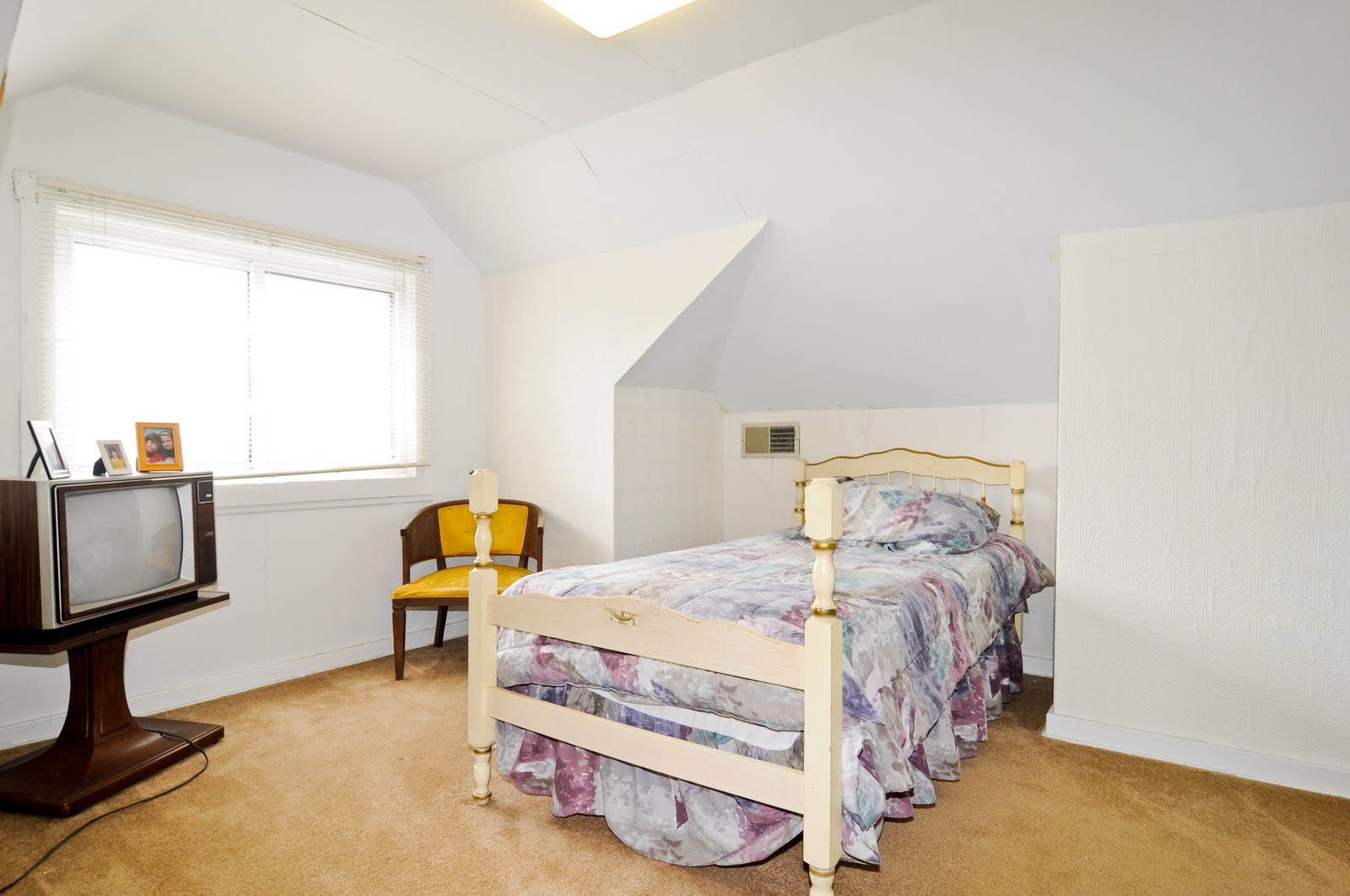 Real Estate Photography - 2930 N. Kildare, Chicago, IL, 60641 - 2nd Bedroom