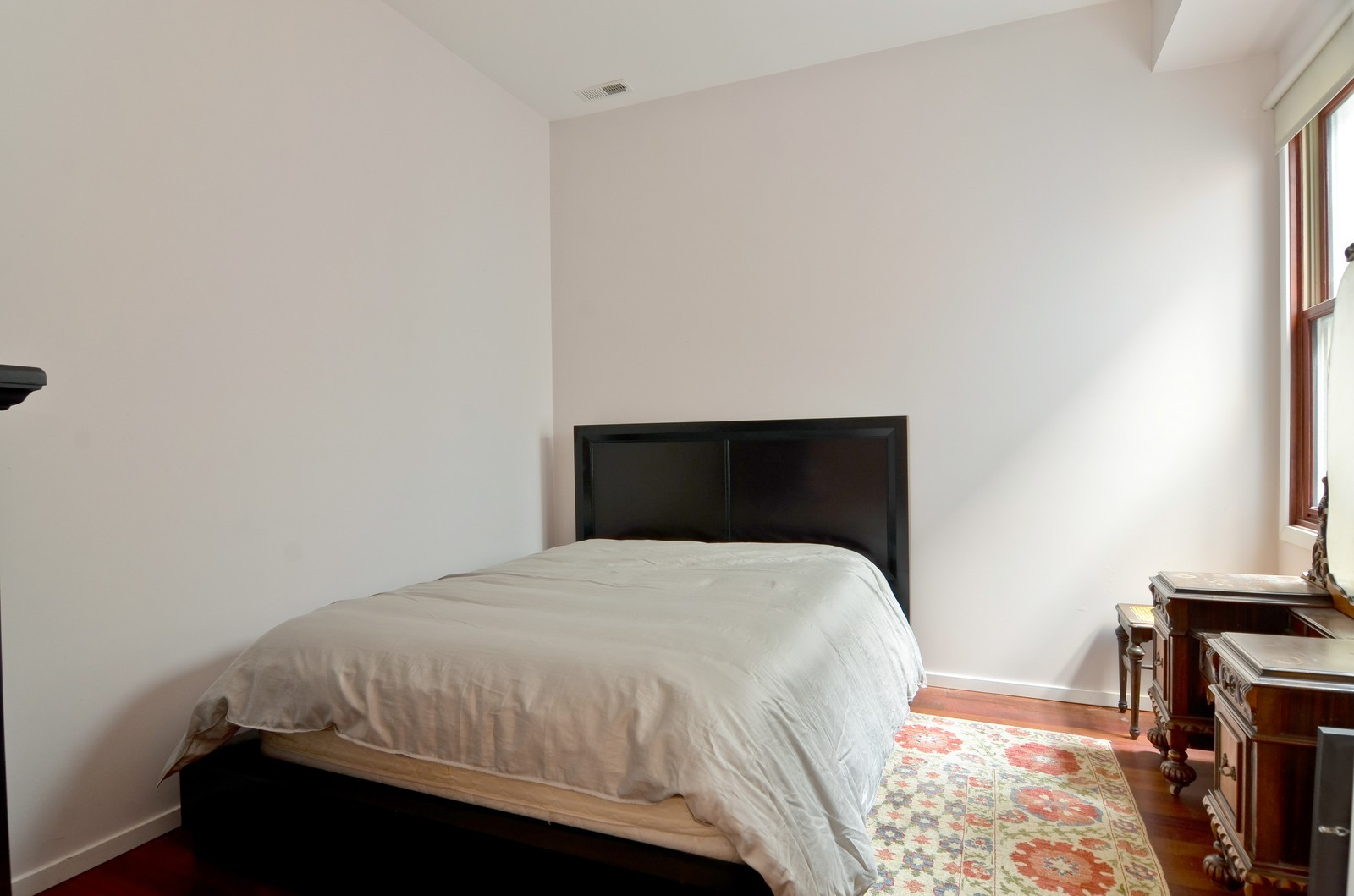 Real Estate Photography - 1872 N Damen Avenue, 3S, Chicago, IL, 60610 - 2nd Bedroom