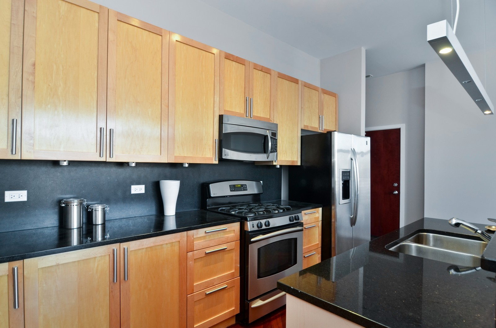 Real Estate Photography - 1872 N Damen Avenue, 3S, Chicago, IL, 60610 - Kitchen