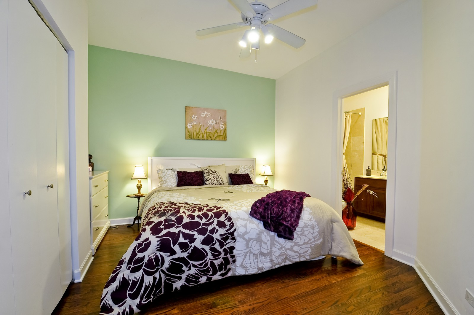 Real Estate Photography - 520 W Oakdale Ave, Chicago, IL, 60657 - Master Bedroom