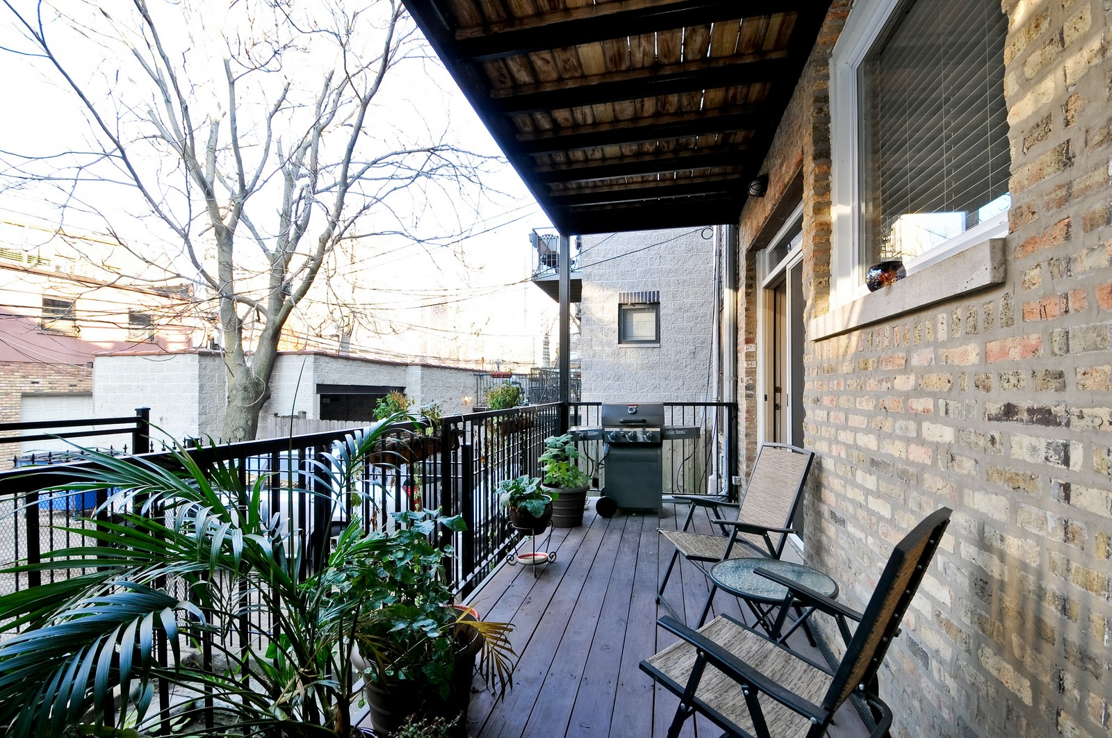 Real Estate Photography - 520 W Oakdale Ave, Chicago, IL, 60657 - Deck
