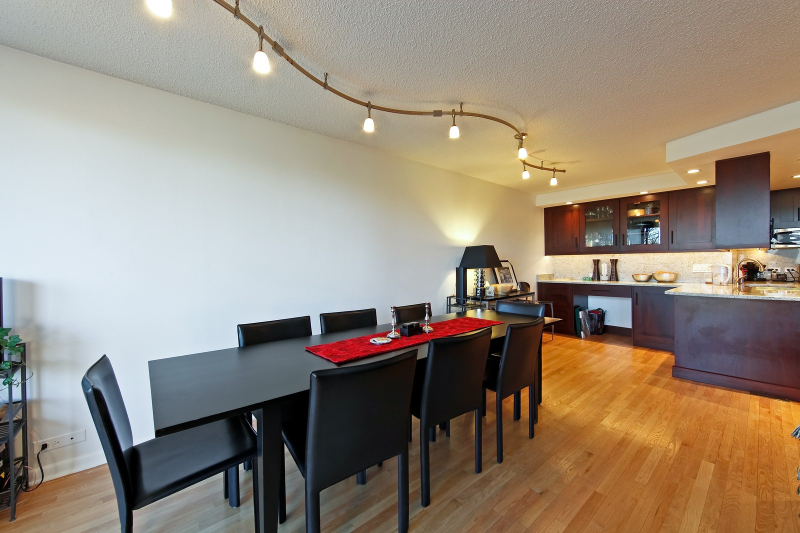 Real Estate Photography - 1920 Clark, 3A, Chicago, IL, 60614 - Dining Room