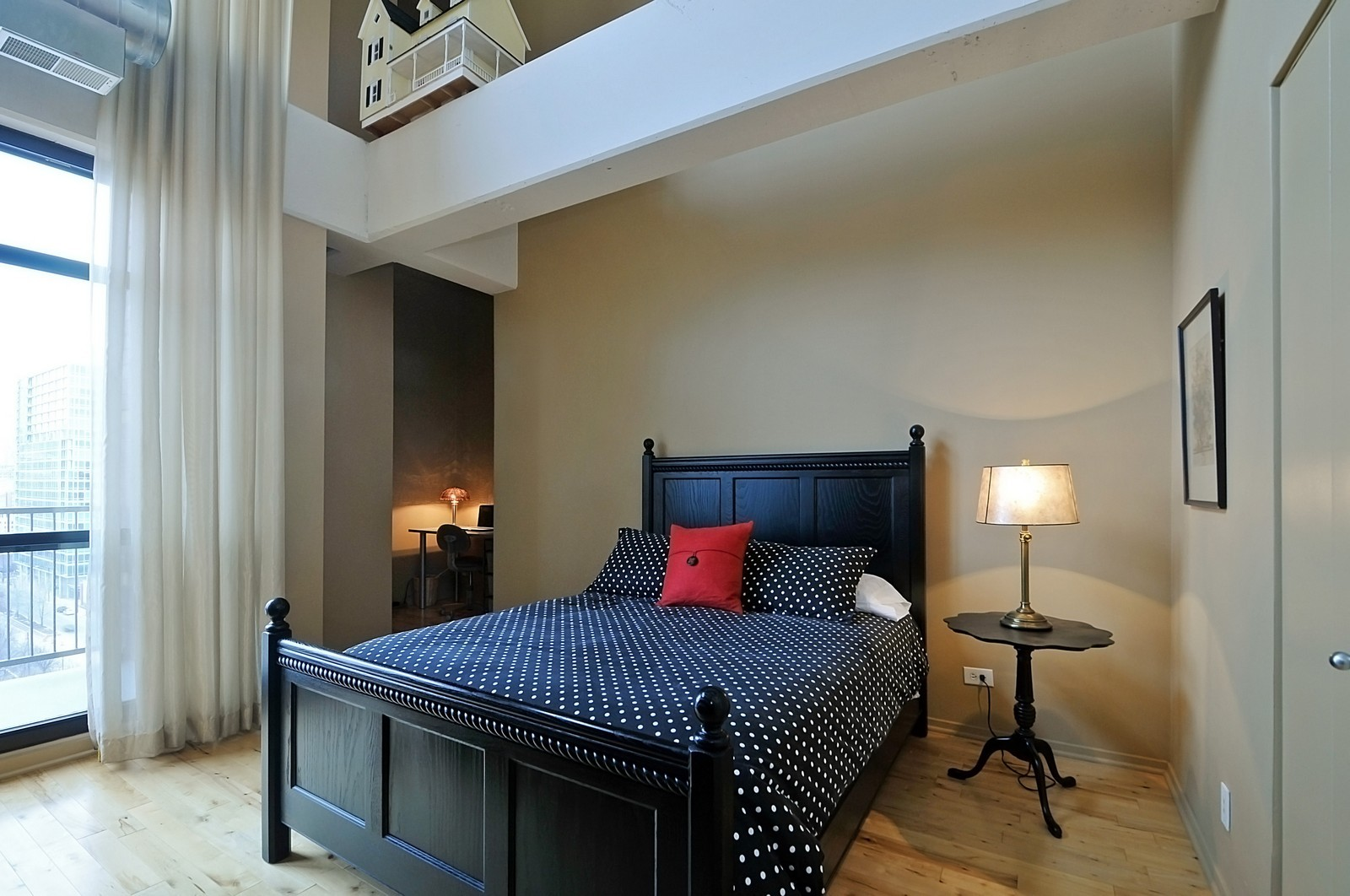 Real Estate Photography - 1530 S State, 1009, Chicago, IL, 60605 - 2nd Bedroom