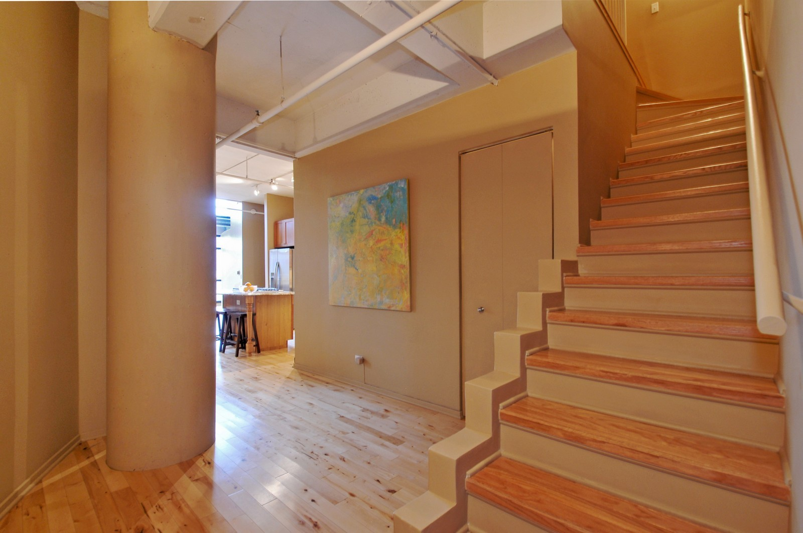 Real Estate Photography - 1530 S State, 1009, Chicago, IL, 60605 - Foyer