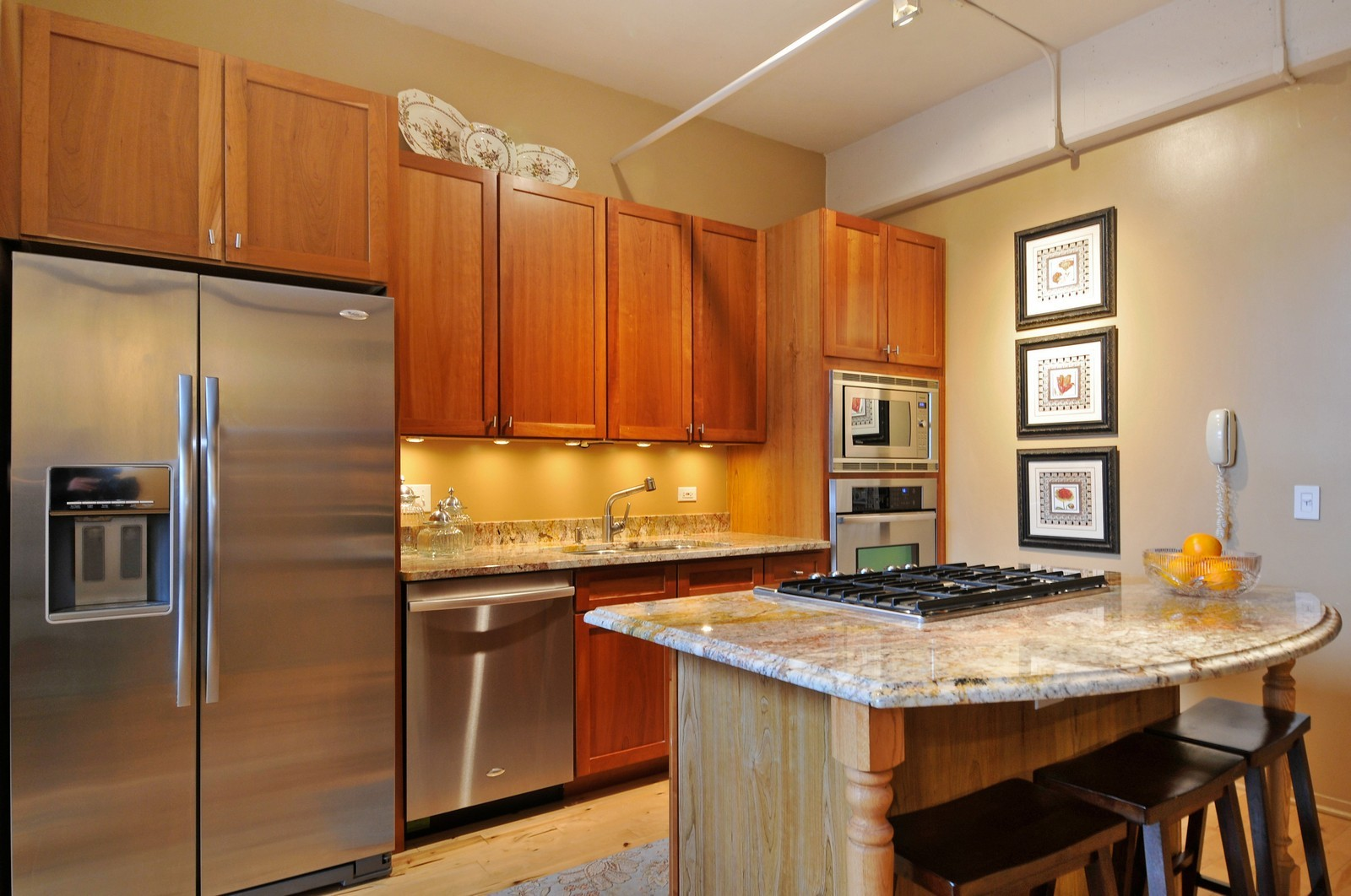 Real Estate Photography - 1530 S State, 1009, Chicago, IL, 60605 - Kitchen