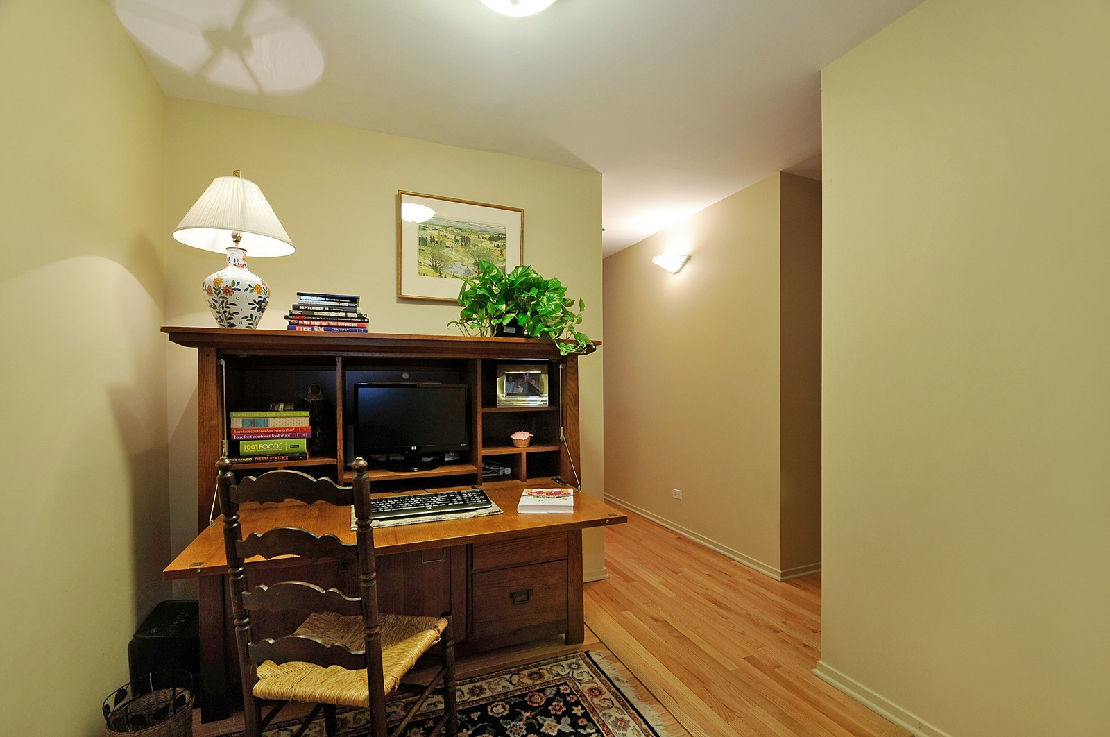 Real Estate Photography - 1530 S State, 1009, Chicago, IL, 60605 - Office