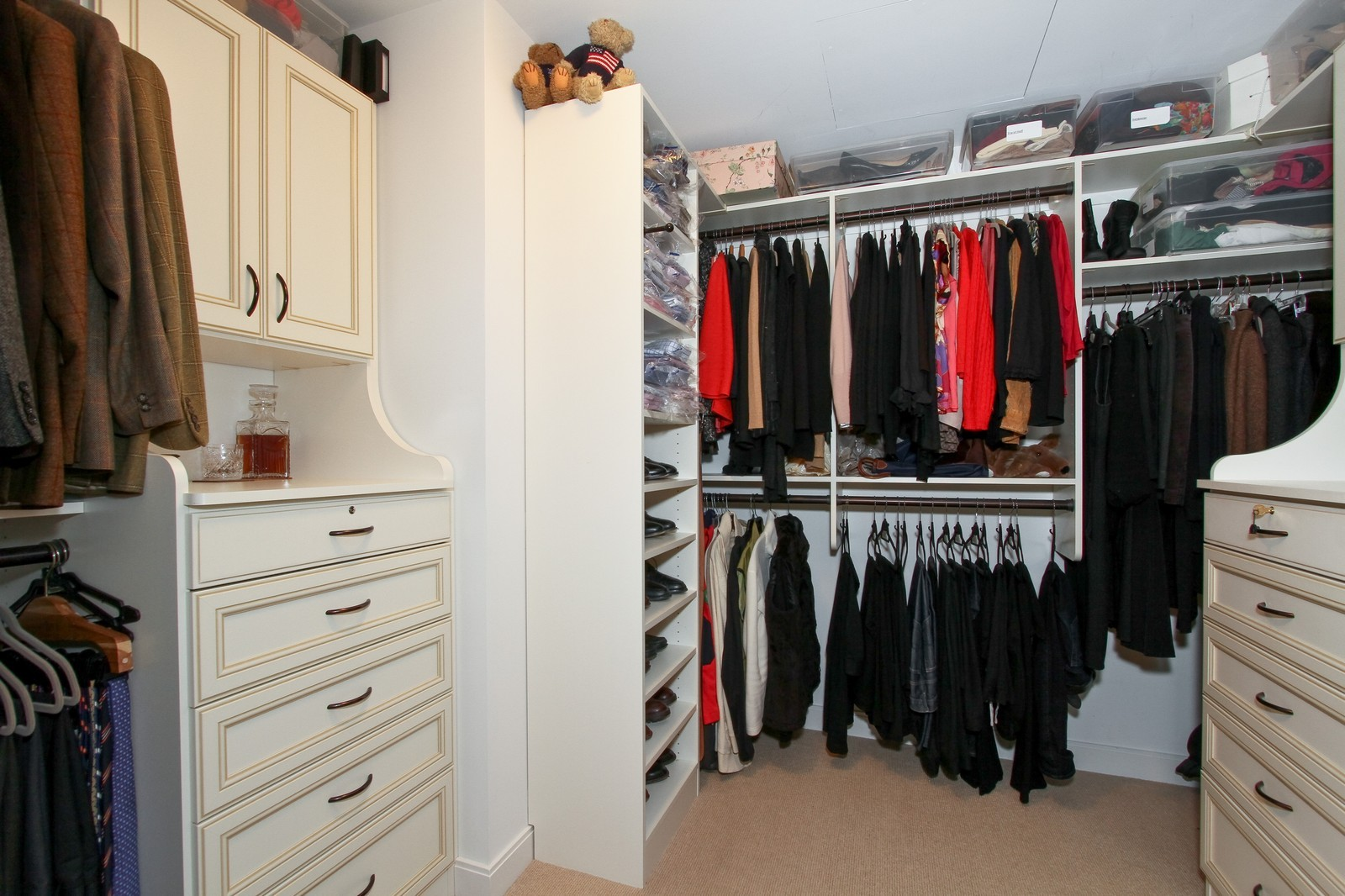 Real Estate Photography - 60 E Monroe, 6501, Chicago, IL, 60603 - Closet