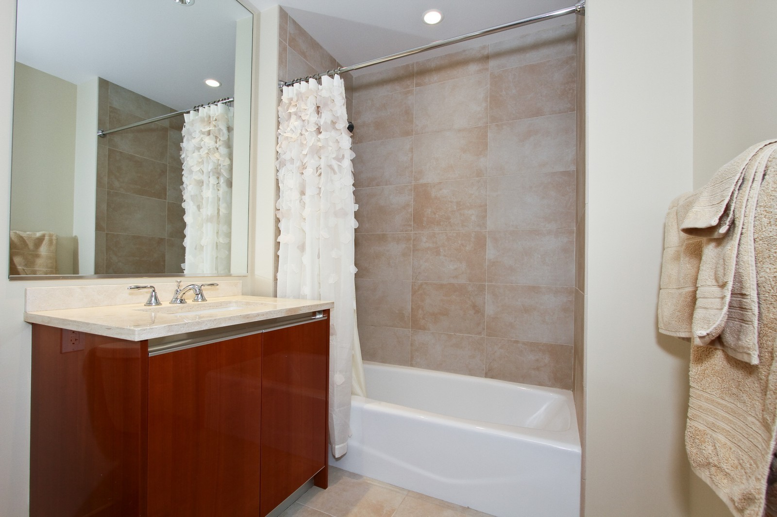 Real Estate Photography - 60 E Monroe, 6501, Chicago, IL, 60603 - 2nd Bathroom