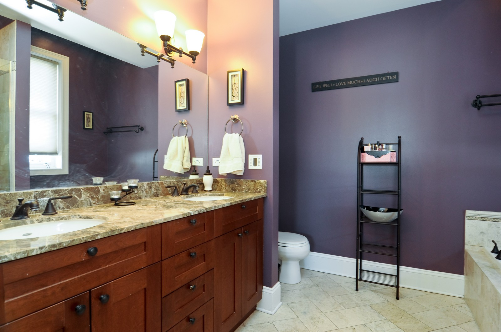 Real Estate Photography - 648 W. Wellington St., 4, Chicago, IL, 60657 - Master Bathroom
