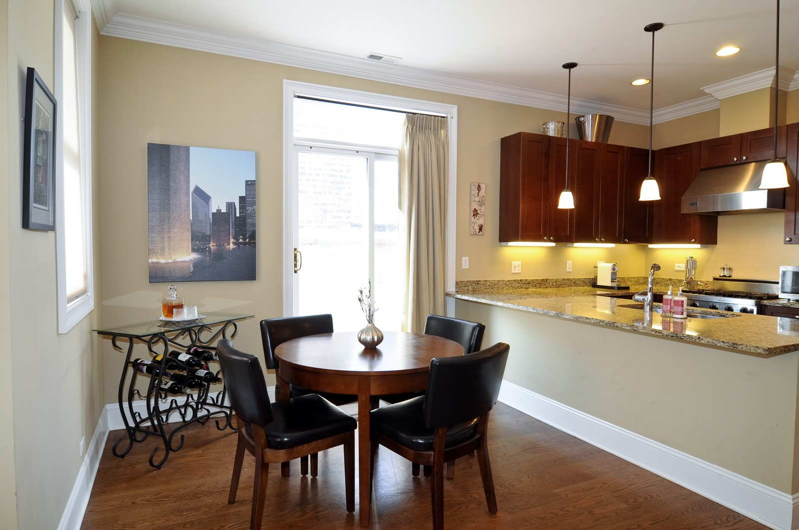 Real Estate Photography - 648 W. Wellington St., 4, Chicago, IL, 60657 - Dining Room