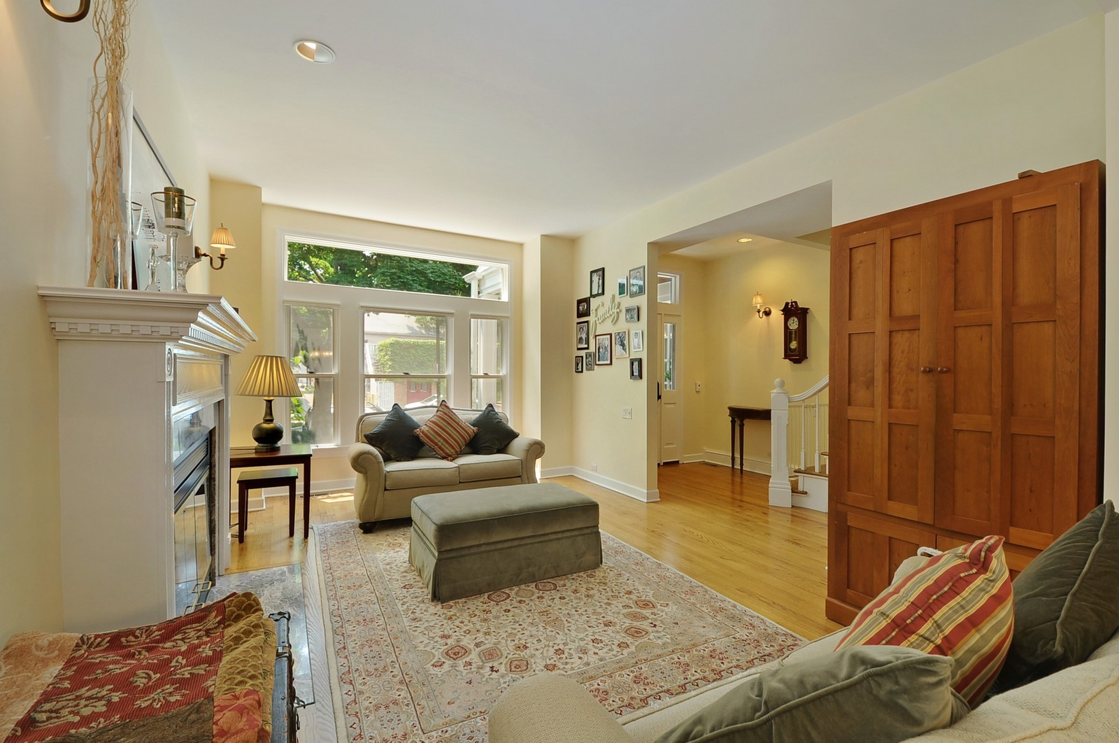 Real Estate Photography - 1144 W. Altgeld, Chicago, IL, 60614 - Living Room
