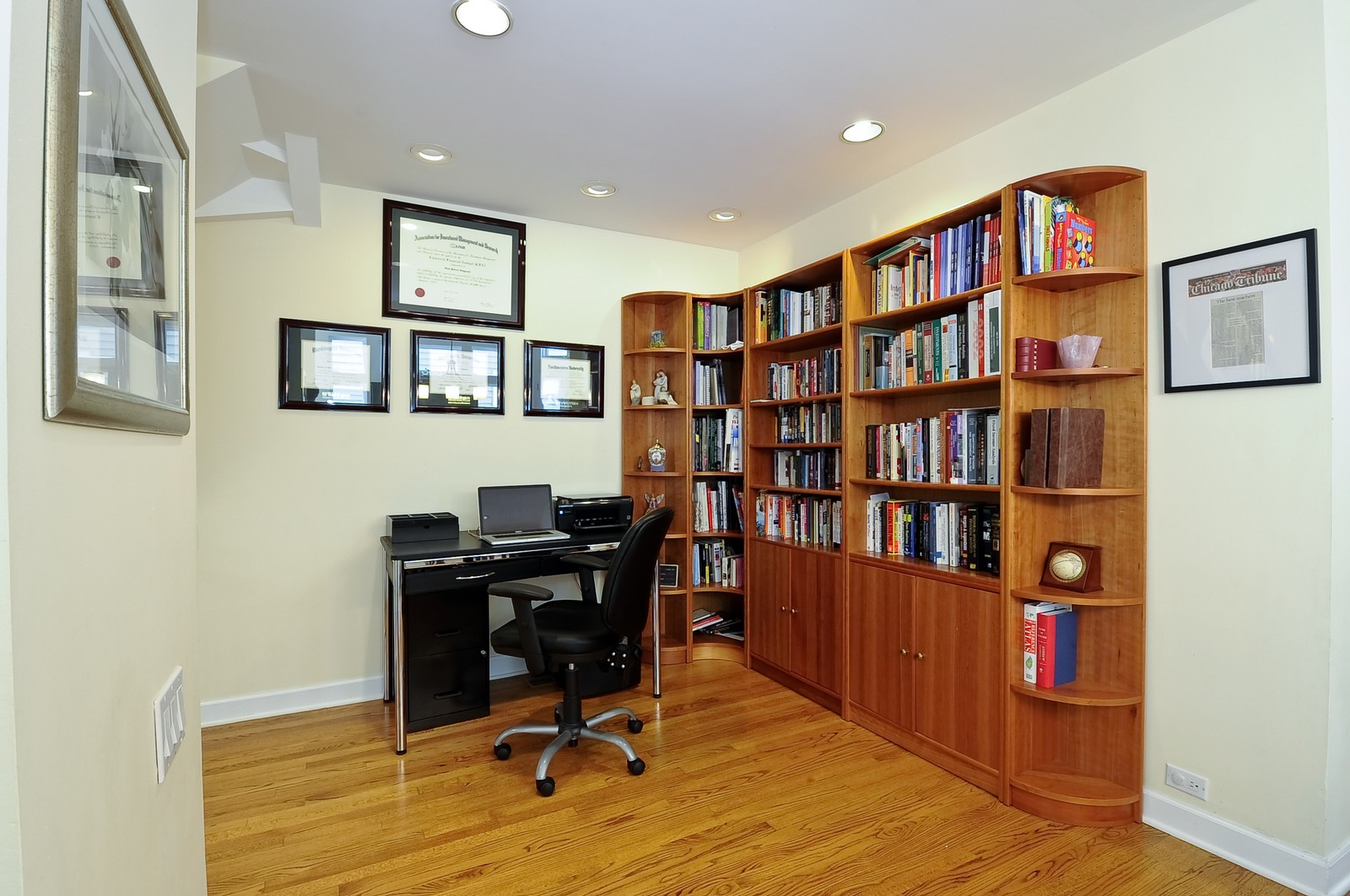 Real Estate Photography - 1144 W. Altgeld, Chicago, IL, 60614 - Office