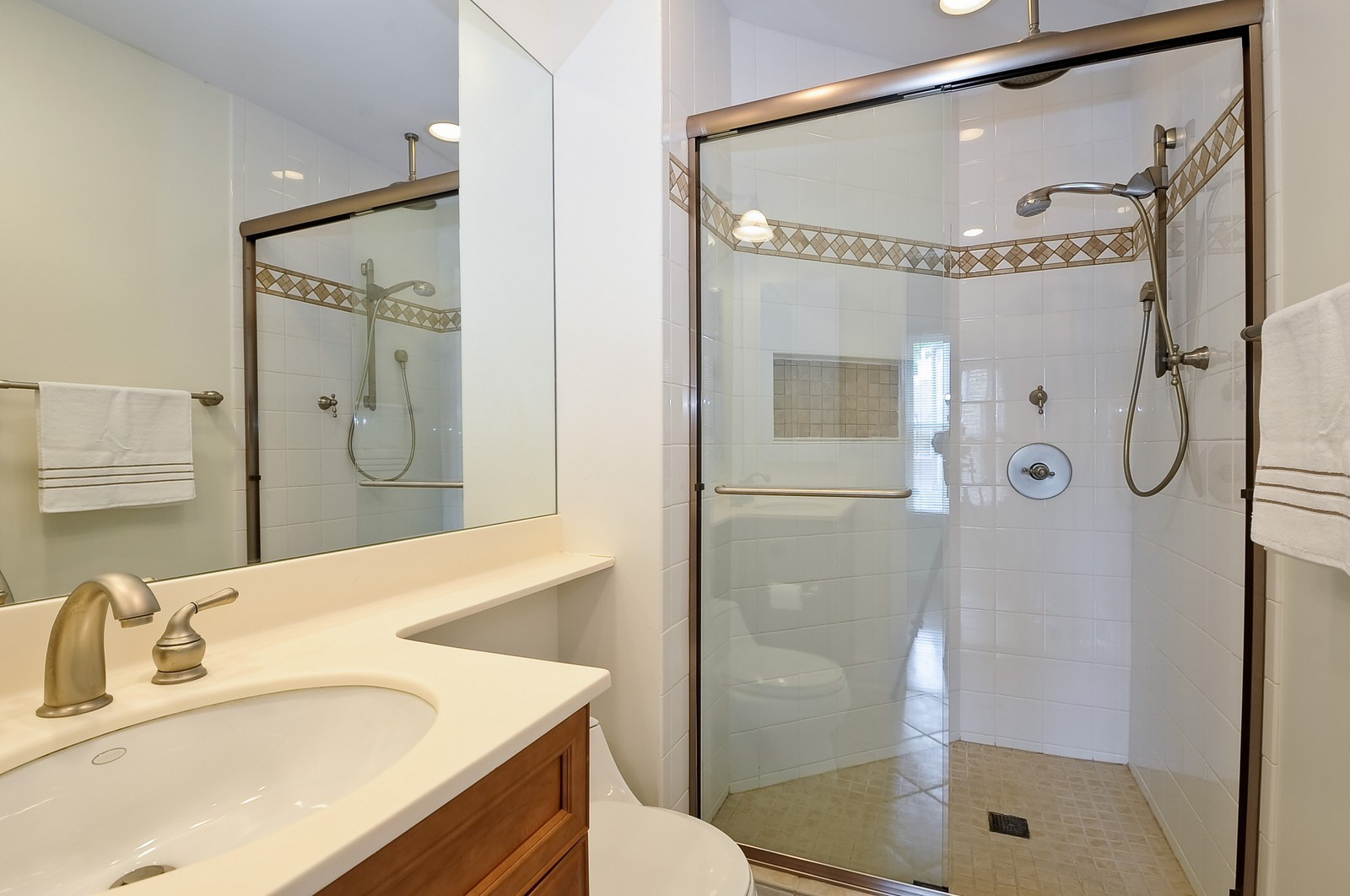 Real Estate Photography - 1144 W. Altgeld, Chicago, IL, 60614 - 2nd Bathroom