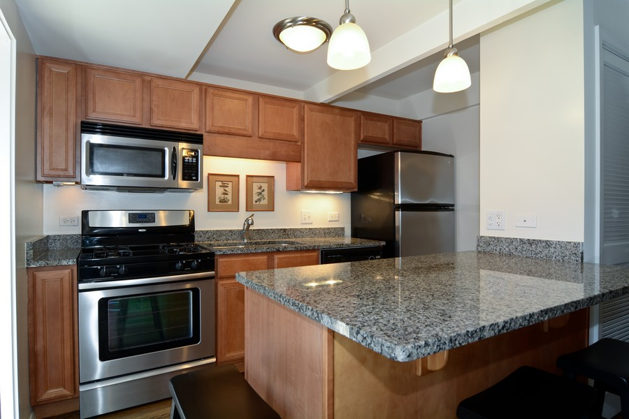 Real Estate Photography - 456 Lageschulte, Barrington, IL, 60010 - Kitchen