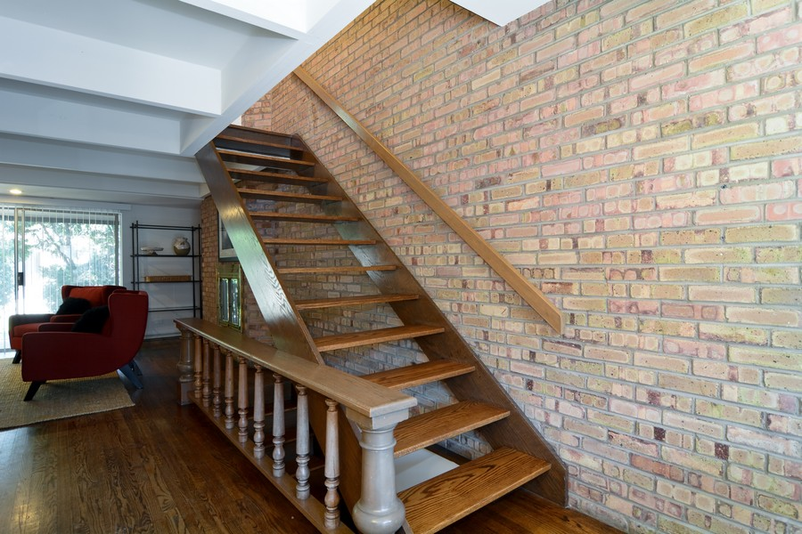 Real Estate Photography - 456 Lageschulte, Barrington, IL, 60010 - Staircase