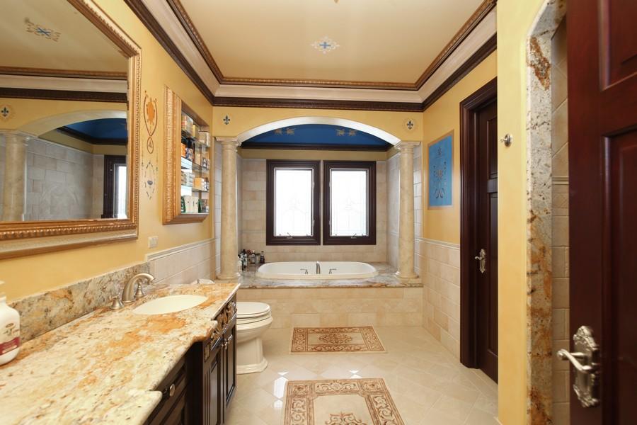 Real Estate Photography - 11315 W 77 Street, Burr Ridge, IL, 60527 - Master Bathroom
