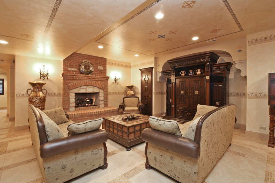 Real Estate Photography - 11315 W 77 Street, Burr Ridge, IL, 60527 - Family Room