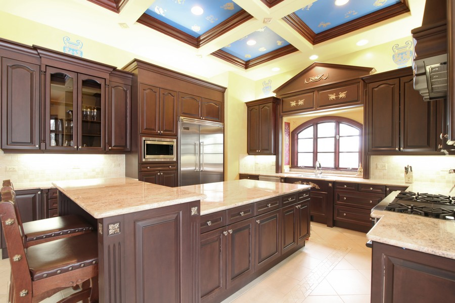 Real Estate Photography - 11315 W 77 Street, Burr Ridge, IL, 60527 - Kitchen