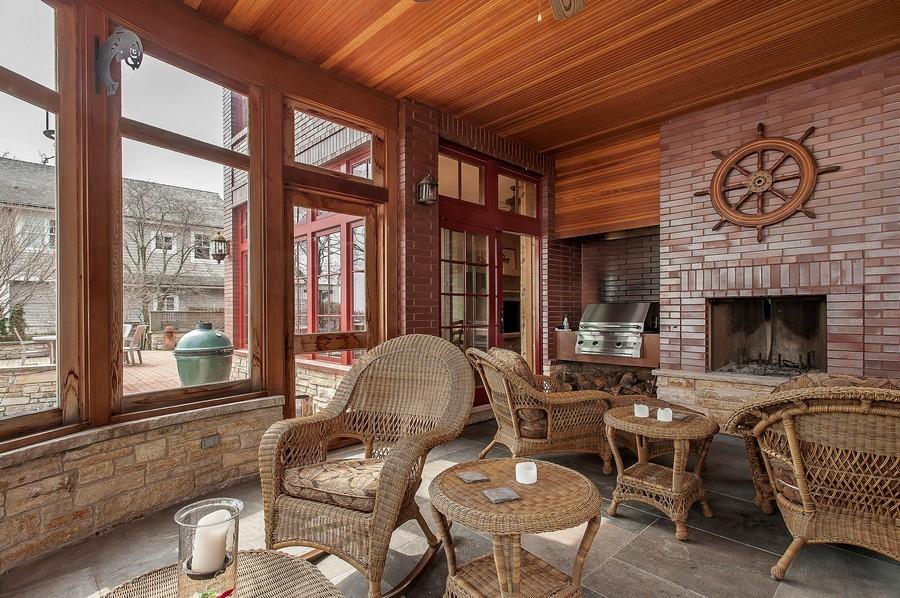 Real Estate Photography - 691 Sheridan Road, Winnetka, IL, 60093 - Porch
